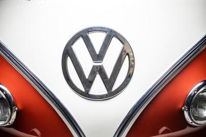 Volkswagen-Transporter-T1-15-22