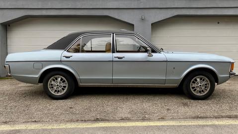 Ford-Granada-V6-26-Ghia-1