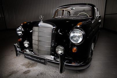 merci_oldMercedes-Benz-W180-220S-62-9 (1