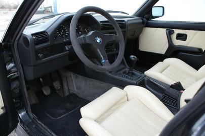 BMW E30 325 ix 54