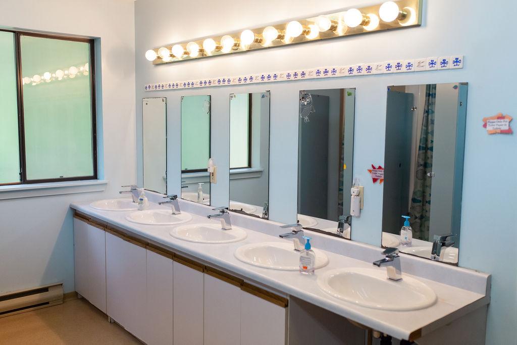 Kwi Kwa washroom.jpg