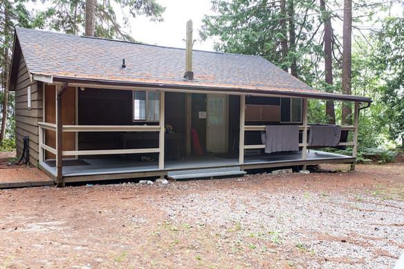 Galalina Cottage outside 2.jpg
