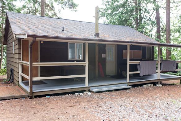 Galalina Cottage outside 3.jpg