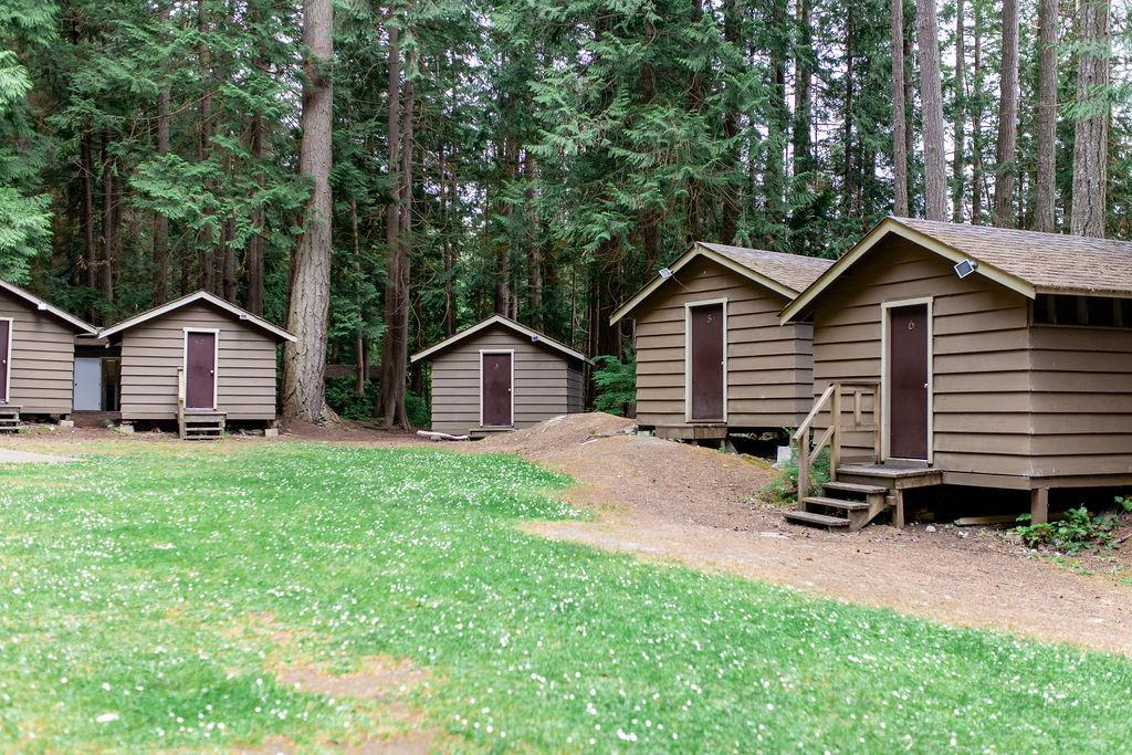 Galalina huts 2.jpg