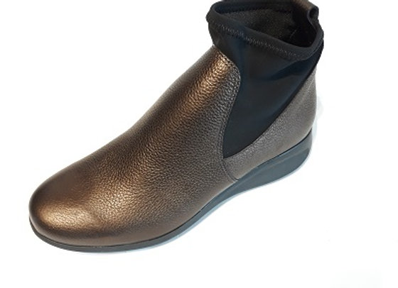 HIRICA boots SACHA