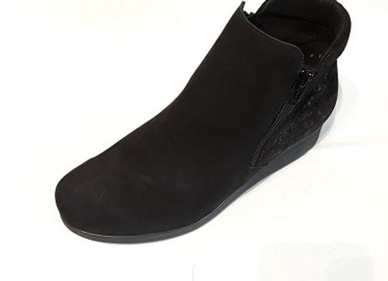 HIRICA boots BERCY
