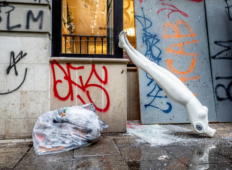 Warning to Shopkeepers: Your Mannequins Won't Survive a Revolution
