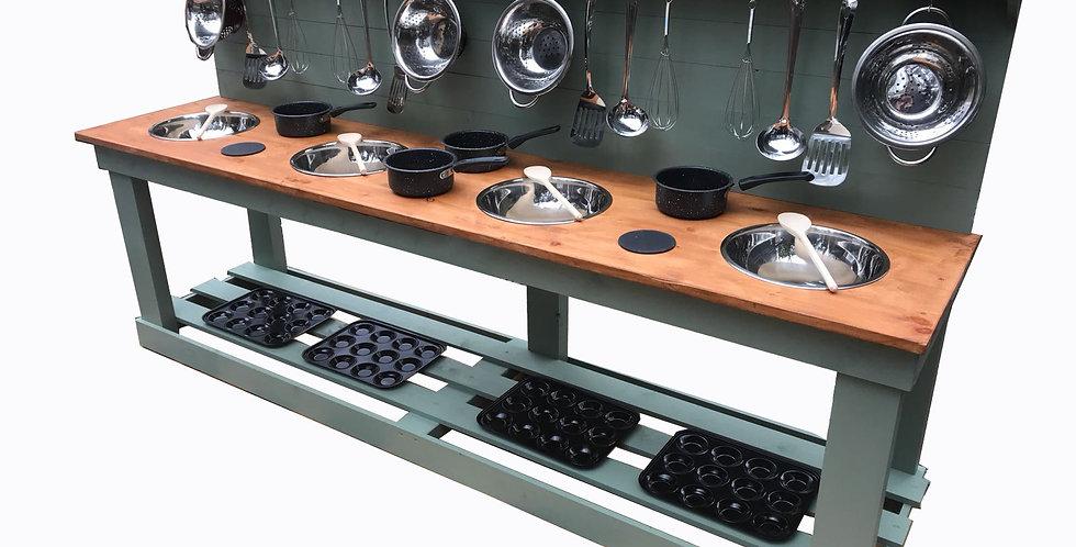 Quadruple Bowl Kitchen + 6 Ring Hob