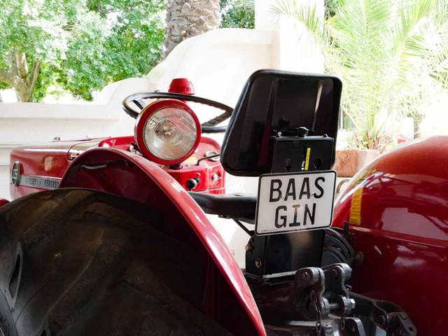 Jorgensen's Baas Gin Tractor
