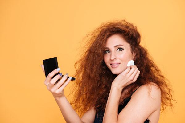 Cara Memilih Kosmetik Untuk Wajah Berjerawat