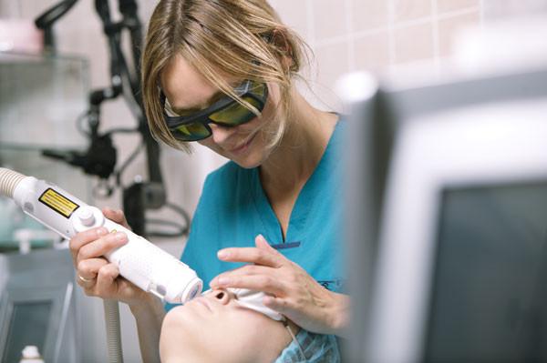 Berbagai Hal Mengenai Laser CO2, Treatment Favorit di JT Clinic