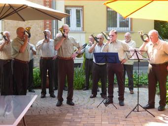 Musikalischer Besuch der Jagdhornbläsergruppe Kahlgrund