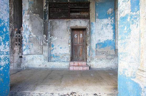 Havana, Cuba, ovi, sininen seinä, rosoinen, kulunut