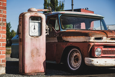 Chevy ambulanssi ja bensatankki_verstas.