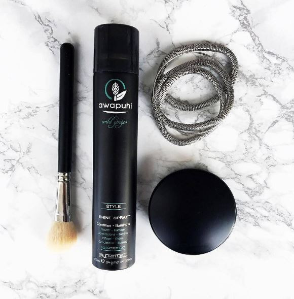 We Just Want To See You Shine! Try Awapuhi Shine Spray For A Reflective Finish And Balanced Moisture! Available For Sale At Tangles Today! #Awapuhi #awapuhiginger #shinespray #finishingproducts #hair #hairproducts #salonsofbermuda #tanglesbermuda