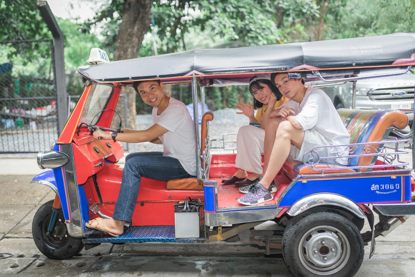 tuktuk 5.jpg