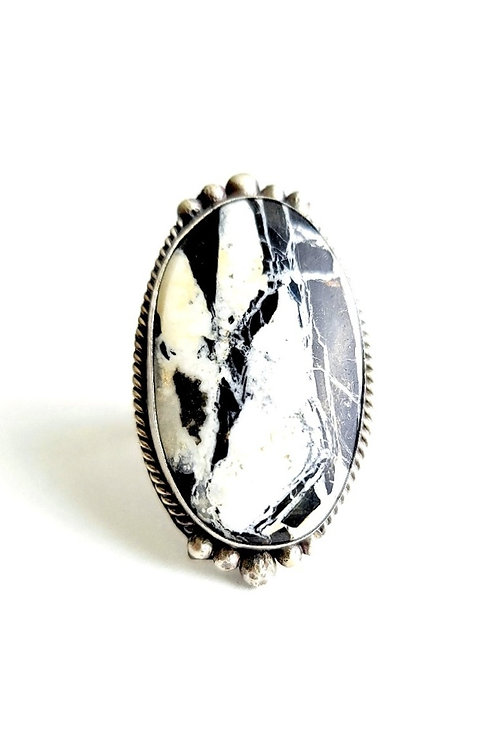 7.5 GENUINE NATIVE MADE WHITE BUFFALO TURQUOISE RING
