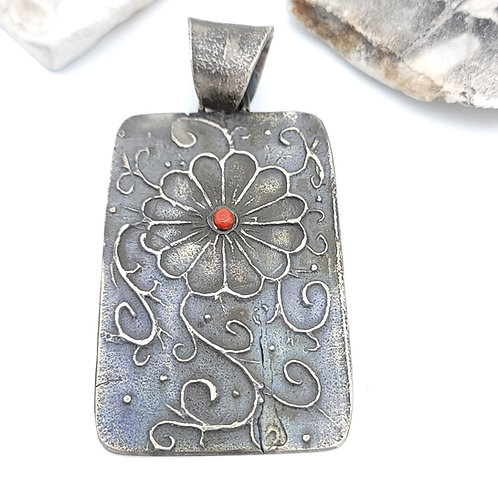 MERLE HOUSE TOFA CAST STERLING PENDANT