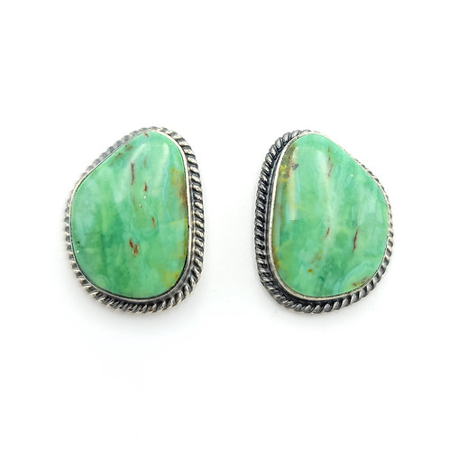 NATIVE MADE TURQUOISE STUD EARRINGS