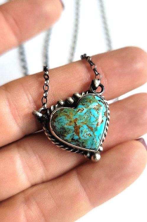 GENUINE NATIVE MADE KINGMAN TURQUOISE HEART NECKLACE