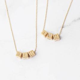 custom-block-necklace-custom-capsul-722456_1000x.webp