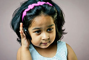 littlegirl_phone_1170.jpg