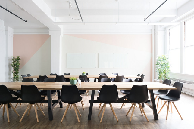 Office or Co-Working Space? Pros and Cons
