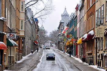 Quebec_City_Rue_St-Louis_2010b.jpg