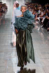 fashionistacom-2018-09-dilone-model-fash