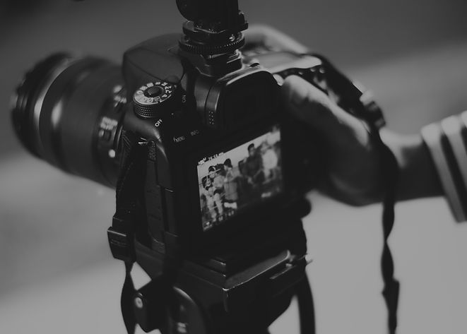 adult-analogue-aperture-403495.jpg
