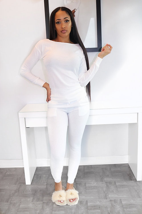 White knit set