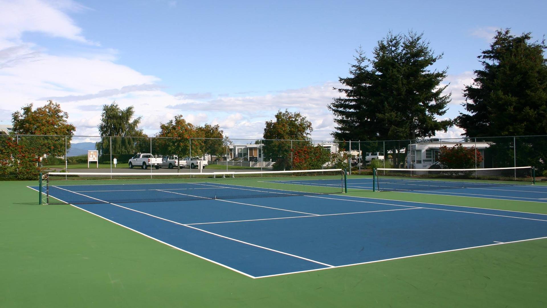tennis_courts_Surfside_RV_lots.jpg