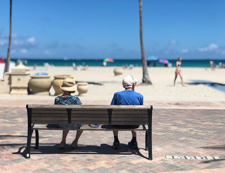 seniors-venice-florida-beach.jpg