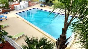 Pool_01_Weinan_Hotel.jpg