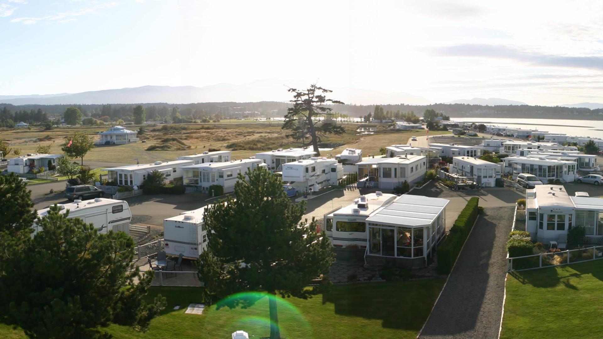 trailers_rv_park_Surfside_panorama.jpg