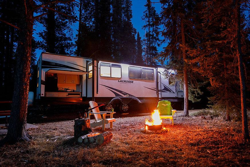 campsite_night-campfire-rv_1400.jpg