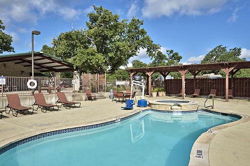 Oak-Forest-RV-park-Austin-pool.jpg