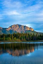 Middle Lake, Mount Yamnuska