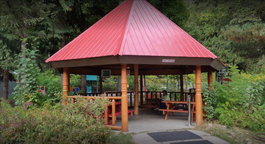 gazebo_group_Pinnacle_Trails_Resort_Reve