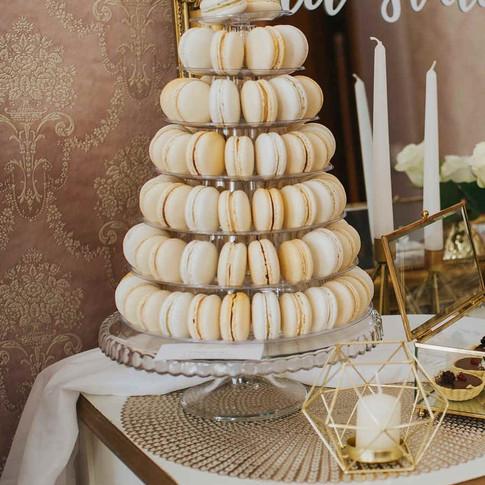 svadobna-makronkova-veza-princess-cakes-