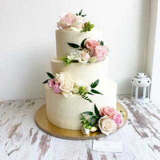 svadobna-torta-3poschodova