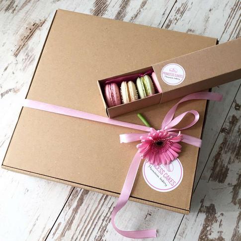 krabica-makroniek-princess-cakes-trencin