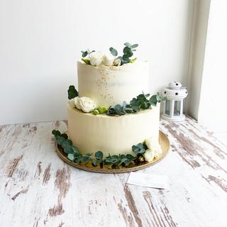 svadobna-torta-eukalyptus-50porcii