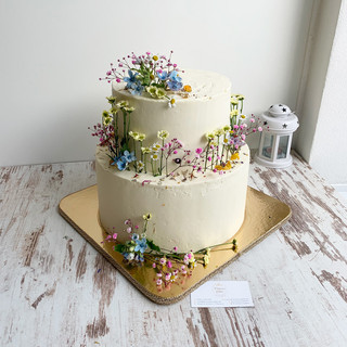 lucna-svadobna-torta