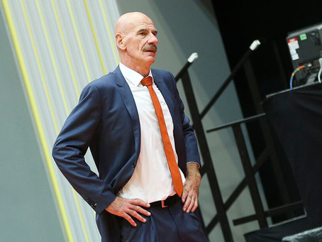 Toon van Helfteren erelid van de Nederlandse Basketball Bond