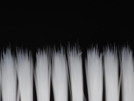 Kronik Dişeti Hastalığı Olan Yetişkinlerde Tüm Dişlerin (Tüm Ağız) 24 Saat İçerisinde Tedavisi