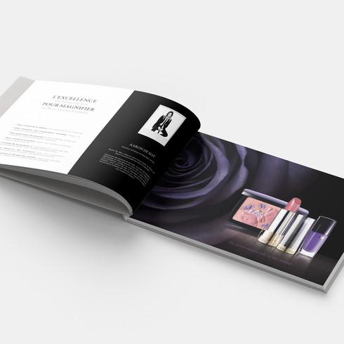P98-99 - Lancome Horizontal Book - Mocku