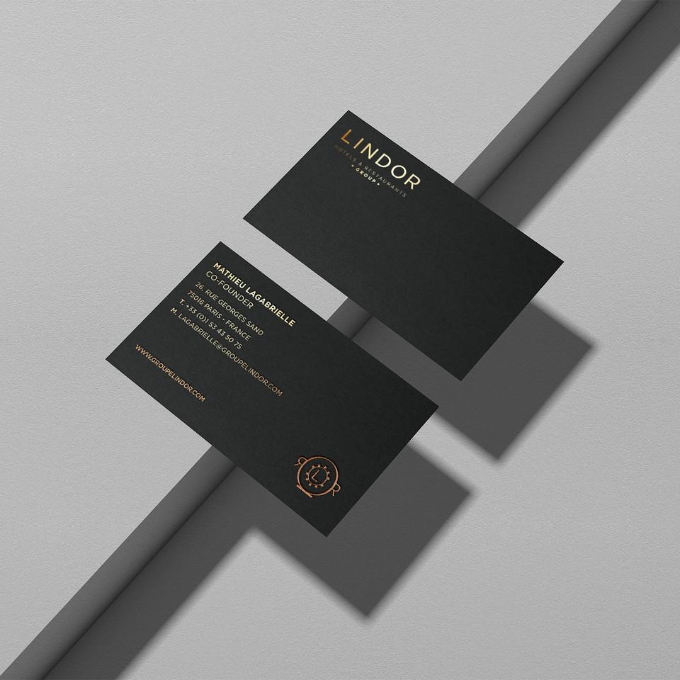 HOTELS LINDOR - Gold Foil Card Mockup co