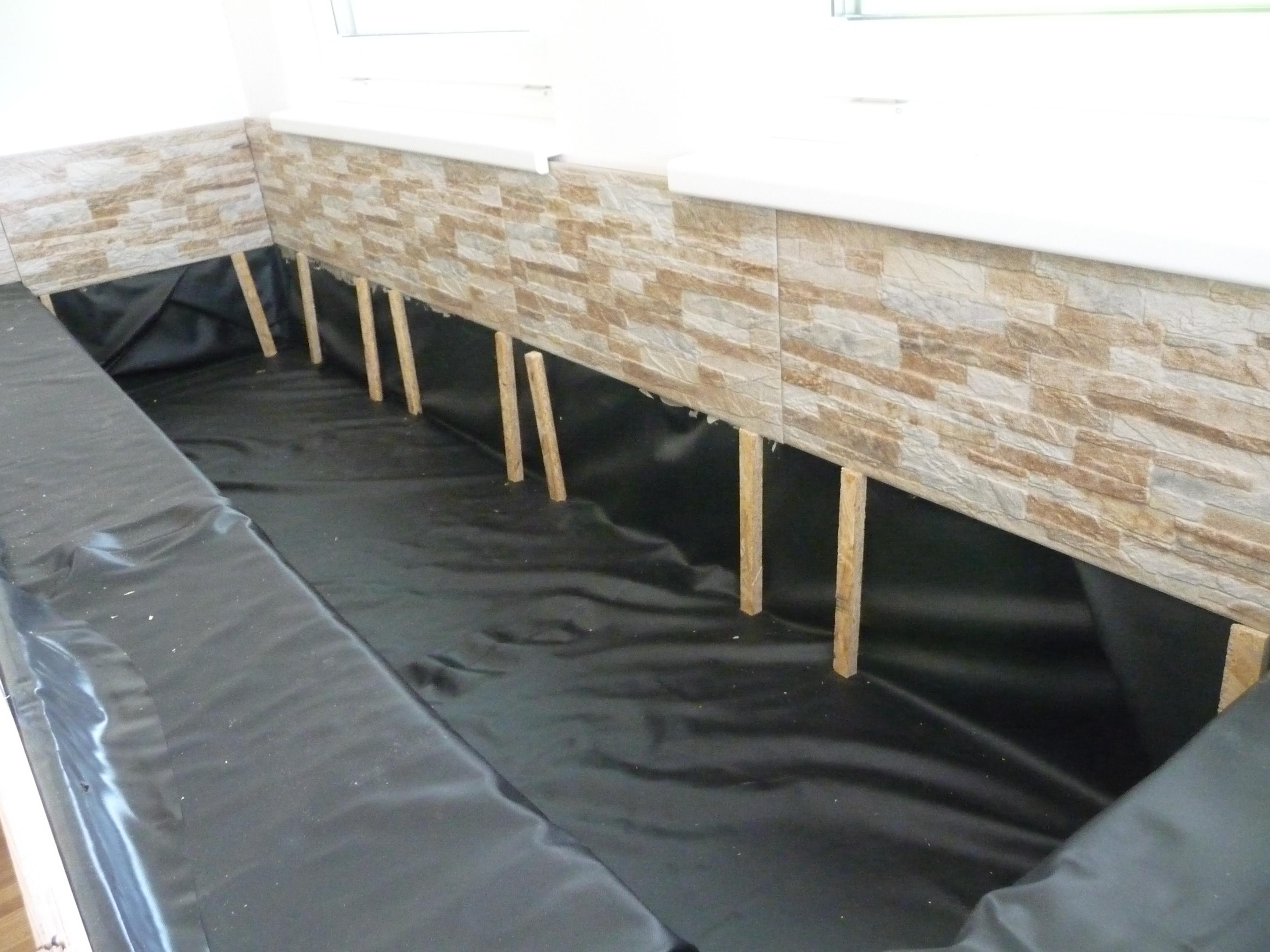 Mauerfließen