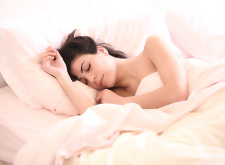 4 Essential Oils to Help You Get Some Beauty Sleep